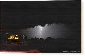 Wood Print featuring the photograph Lightning 11 by Richard Zentner