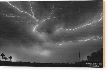 Wood Print featuring the photograph Lightning 2 by Richard Zentner