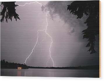 Lightning At The Lake Wood Print by Barbara West