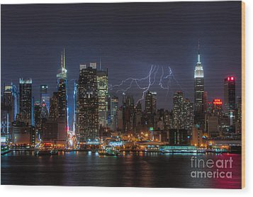 Lightning Over New York City IIi Wood Print by Clarence Holmes