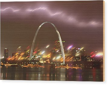 Lightning Over The Arch Wood Print by Garry McMichael