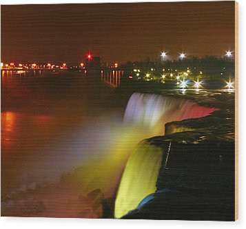 Lights On Niagara Falls Wood Print