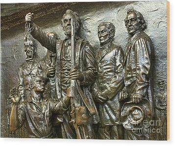 Lincoln Arming The Freed Slaves Wood Print by David Bearden