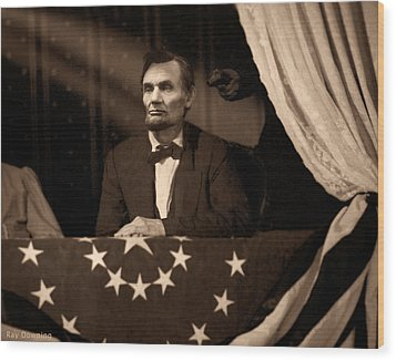 Lincoln At Fords Theater Wood Print by Ray Downing