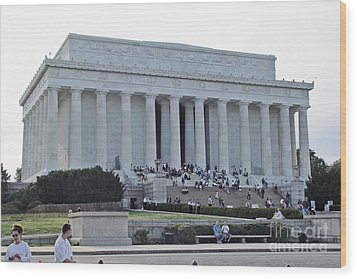 Lincoln Memorial 2 Wood Print by Tom Doud