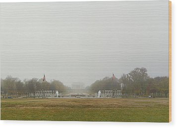 Lincoln Memorial And World War II Memorial - Washington Dc - 01131 Wood Print by DC Photographer