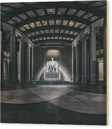 Lincoln Memorial Wood Print by Eduard Moldoveanu