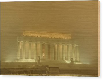 Lincoln Memorial In The Fog Wood Print by Metro DC Photography