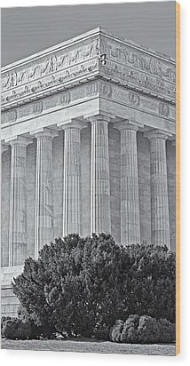 Lincoln Memorial Pillars Bw Wood Print by Susan Candelario