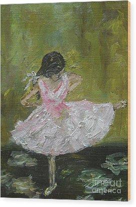 Little Dansarina Wood Print by Reina Resto
