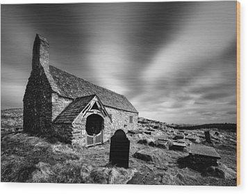 Llangelynnin Church Wood Print by Dave Bowman