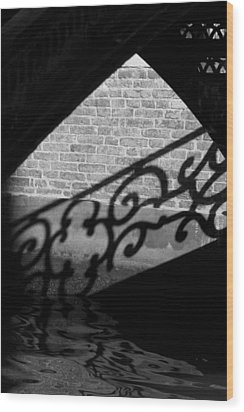 L'ombra - Venice Wood Print by Lisa Parrish
