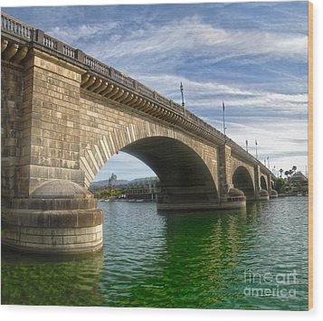 London Bridge Wood Print by Gregory Dyer
