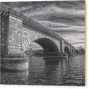 London Bridge In Black And White Wood Print by Gregory Dyer