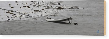 Wood Print featuring the photograph Lonely Surfboard by Chris Thomas