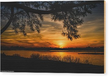 Wood Print featuring the photograph Long Island Sunset by Linda Karlin