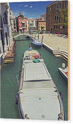 Longboat In Venice Wood Print