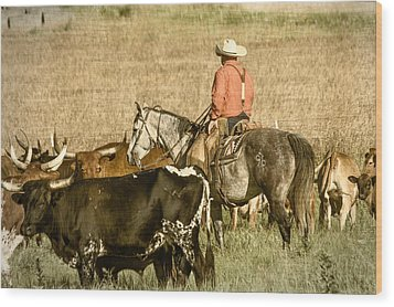 Wood Print featuring the photograph Longhorn Round Up by Steven Bateson