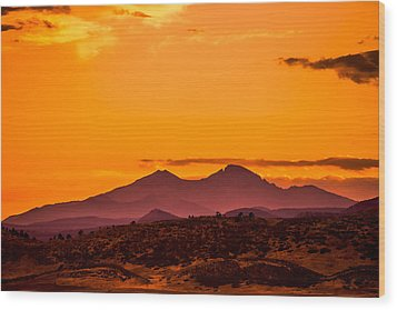 Longs Peak Smoke And Sunset Wood Print by Rebecca Adams