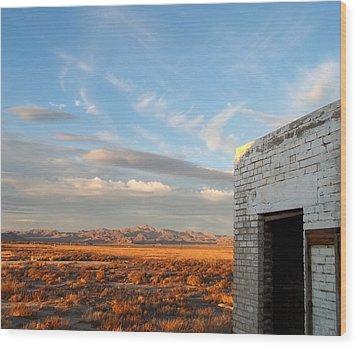 Looking Northward Wood Print by Glenn McCarthy Art and Photography