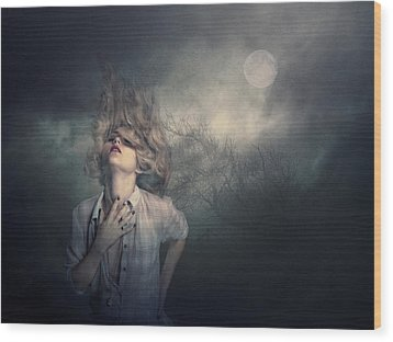 Wood Print featuring the photograph Lost In The Wind by Brian Tarr