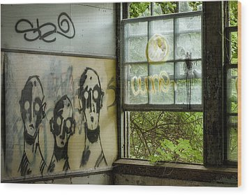 Lost Souls - Abandoned Places Wood Print by Gary Heller