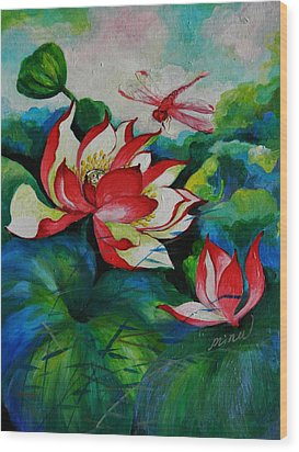 Lotus Dragon Fly A Wood Print by Min Wang