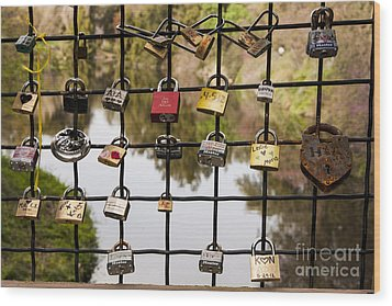 Love Locks Wood Print by Juan Romagosa