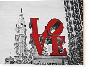 Love Park And City Hall Bw Wood Print