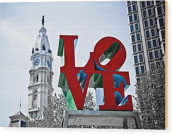 Love Park And City Hall Wood Print