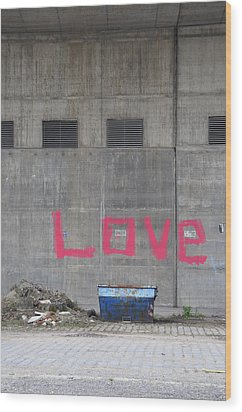 Love - Pink Painting On Grey Wall Wood Print by Matthias Hauser