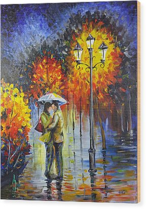 Lovers In The Rain Wood Print by Harry Speese