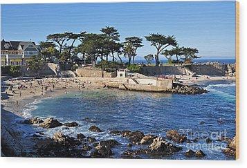 Lovers Point Beach Wood Print by Susan Wiedmann