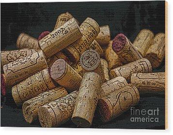 Loving Wine Wood Print by Patricia Hofmeester