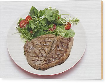 Low Carb Steak And Salad Wood Print by Paul Cowan