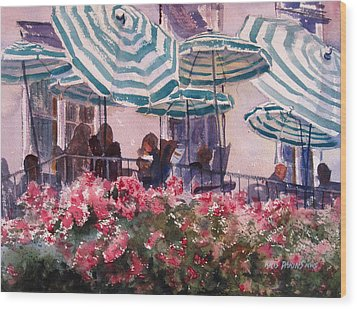Lunch Under Umbrellas Wood Print by Kris Parins