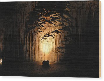 Luray Caverns - 121288 Wood Print by DC Photographer