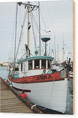 Lyra --------victoria Wood Print by Don F  Bradford