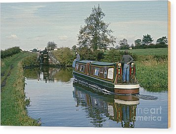 Macclesfield Canal 1975 Wood Print by David Davies