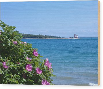 Wood Print featuring the photograph Mackinaw Island Lighthouse by Bill Woodstock