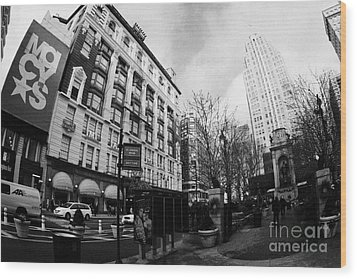 Macys At Broadway And 34th Street Herald Square New York City Wood Print by Joe Fox