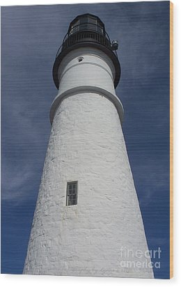 Wood Print featuring the photograph Maine Lighthouse by Gena Weiser