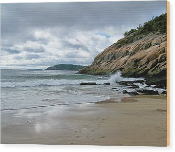 Wood Print featuring the photograph Maine's Sand Beach by Gene Cyr
