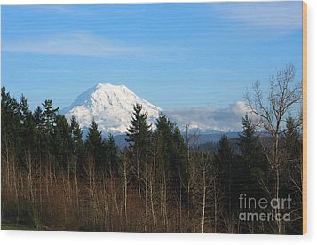 Majestic Mount Rainier Wood Print
