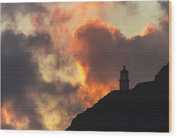 Wood Print featuring the photograph Makapuu Lighthouse Sunrise 1 by Leigh Anne Meeks
