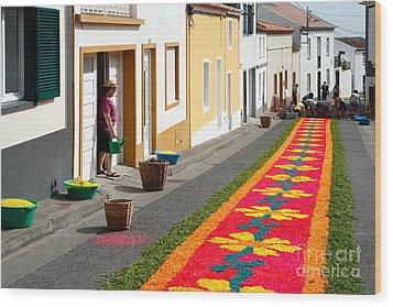 Making Flower Carpets Wood Print by Gaspar Avila