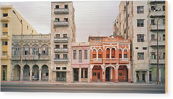 Malecon In Havana Wood Print