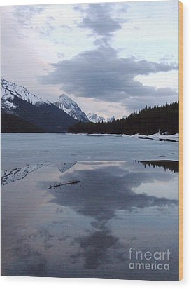 Maligne Lake - Reflections Wood Print by Phil Banks