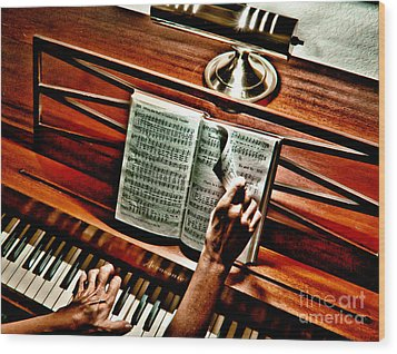 Momma's Hymnal Wood Print by Robert Frederick