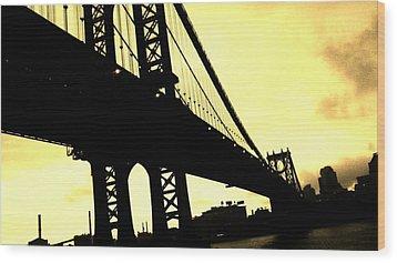 Manhattan Bridge Wood Print by Paulo Guimaraes